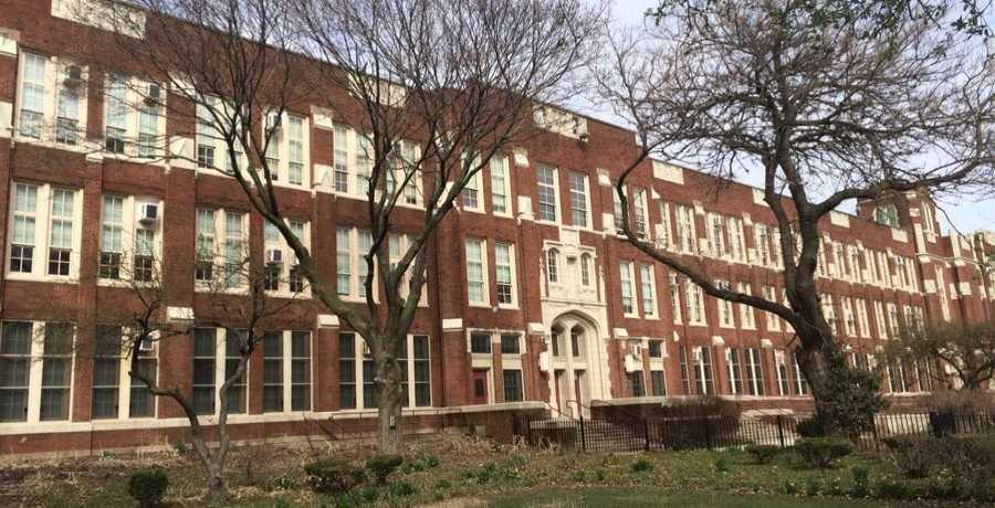 Amundsen-High-School-in-chicago